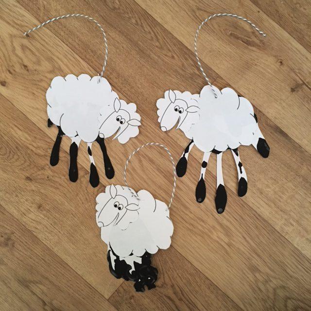 hand print sheep